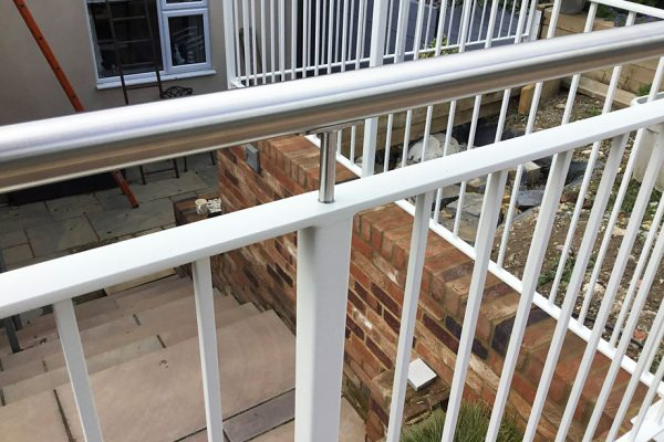 Choosing your new railings, fencing and gates